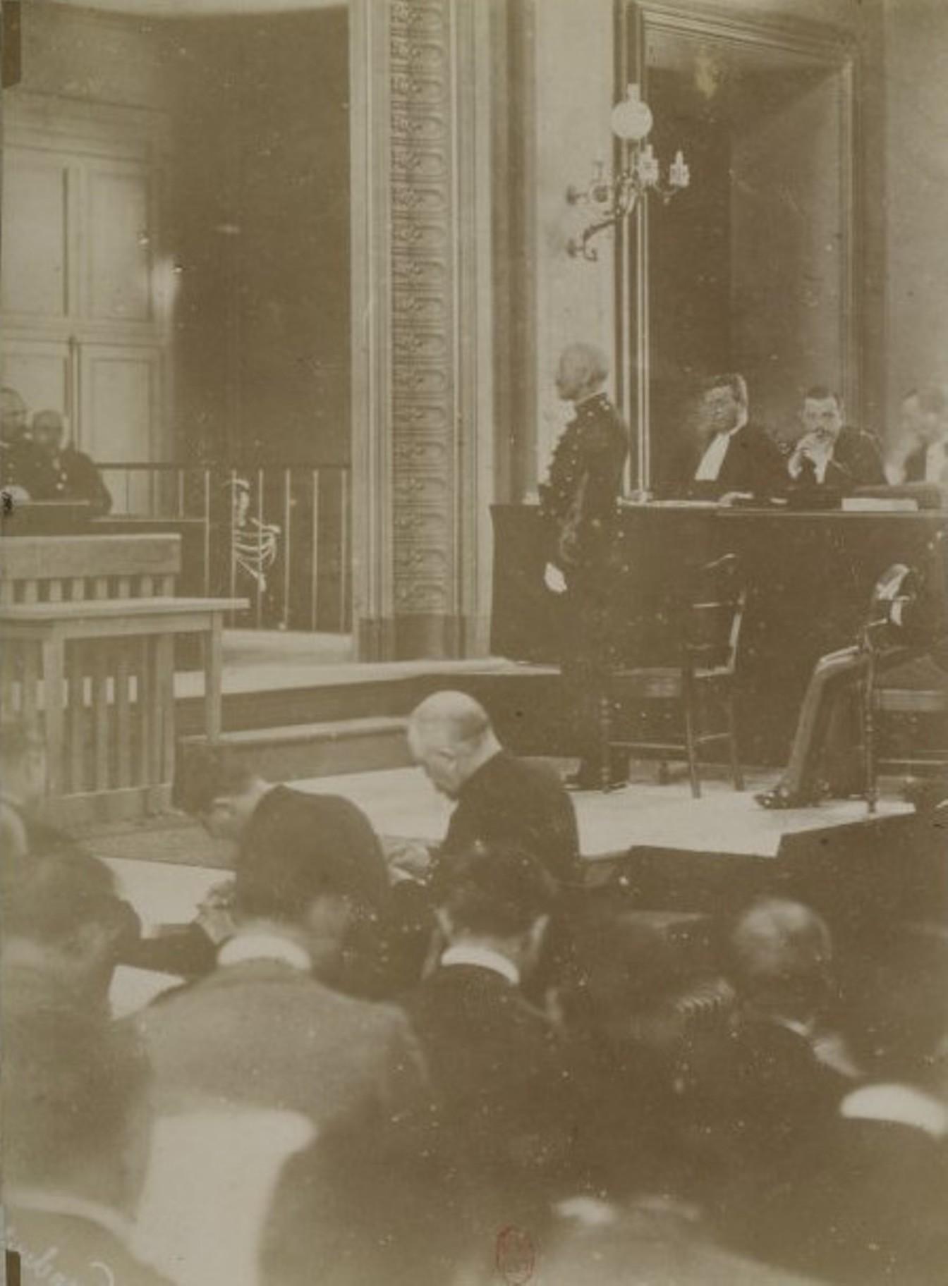 Image - L'interrogatoire de Dreyfus