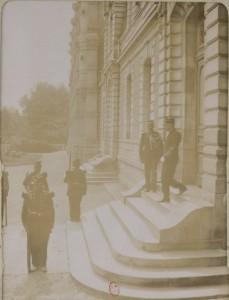12 Dreyfus reconduit à la prison