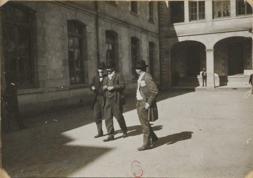 Image - Edmond Gast, le lieutenant-colonel Picquart et Louis Havet