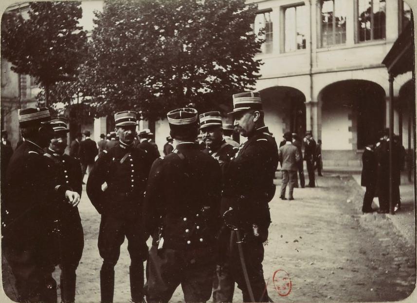 Image - Les officiers de gendarmerie