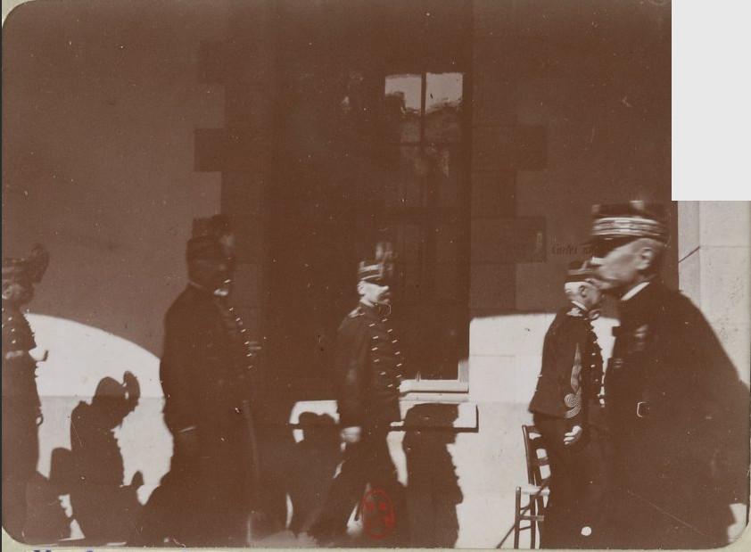 Image - Des membres du conseil de guerre et Boisdeffre