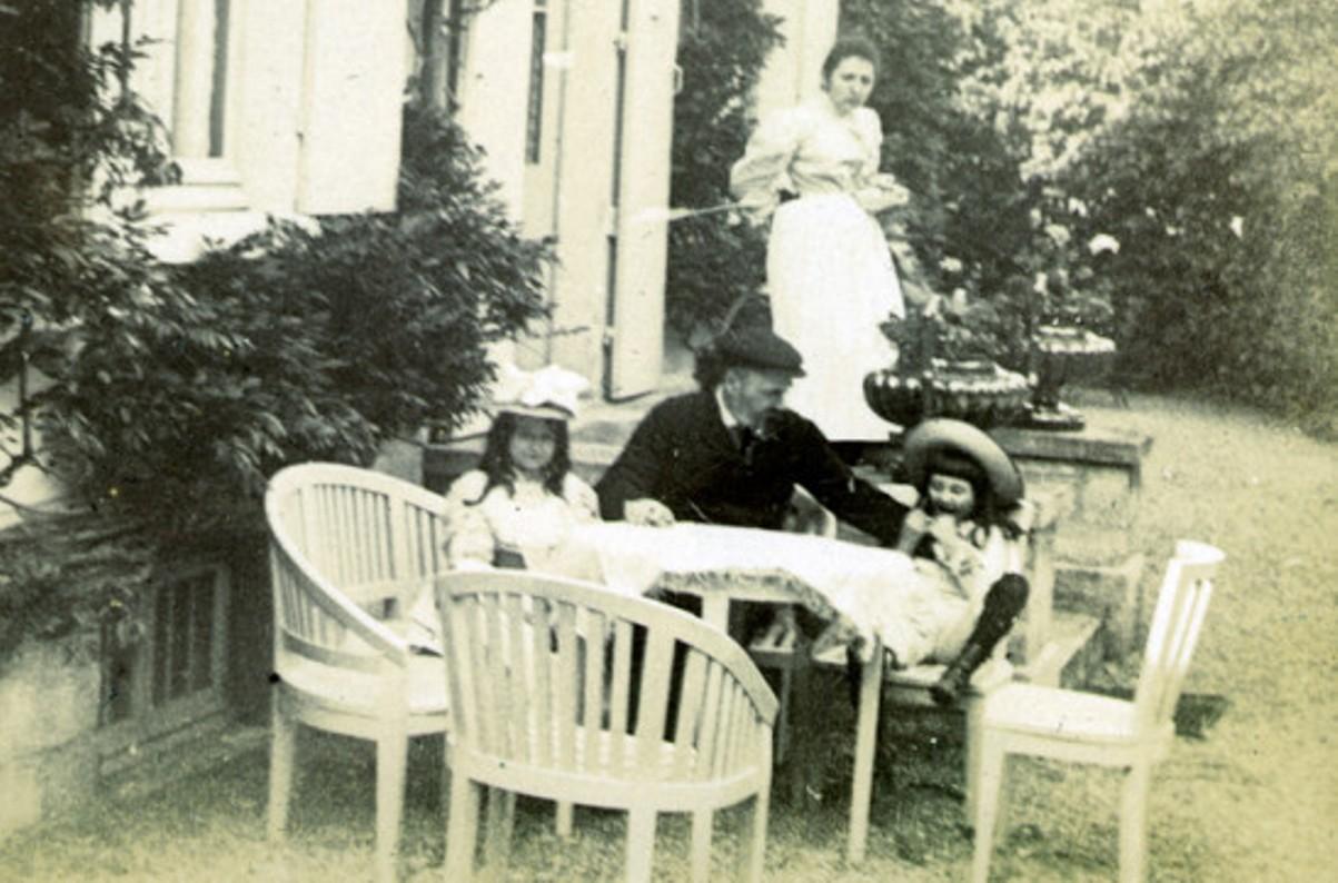 Image - Emile Zola et les enfants, à Verneuil