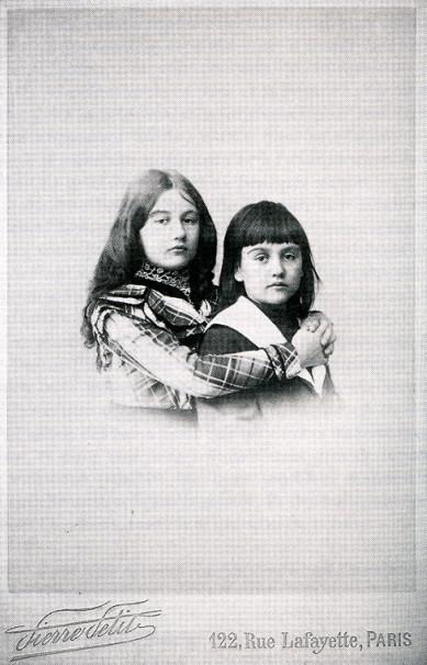 Image - Denise et Jacques à l'âge de dix et huit ans