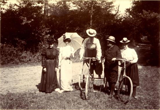 Image - Promenade en bicyclette dans le bois de Verneuil
