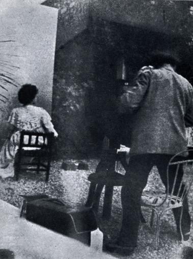 Image - Emile Zola photographiant Jeanne Rozerot