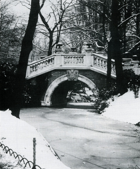 Image - Le parc Monceau sous la neige