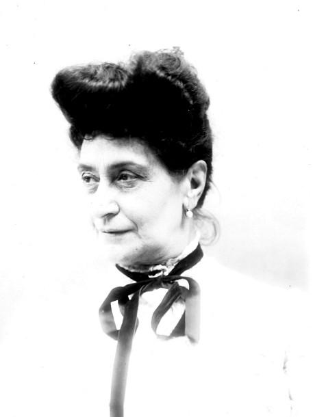 Image - Alexandrine Zola, de trois-quart gauche