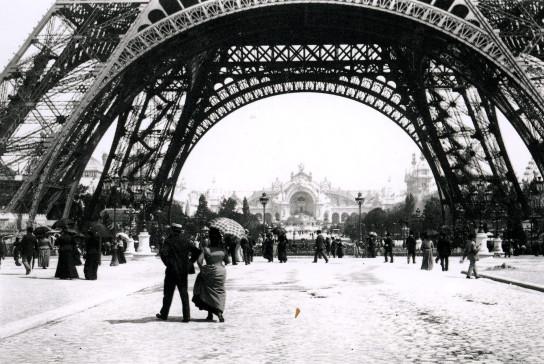 Image - La tour Eiffel et le Palais de l'électricité