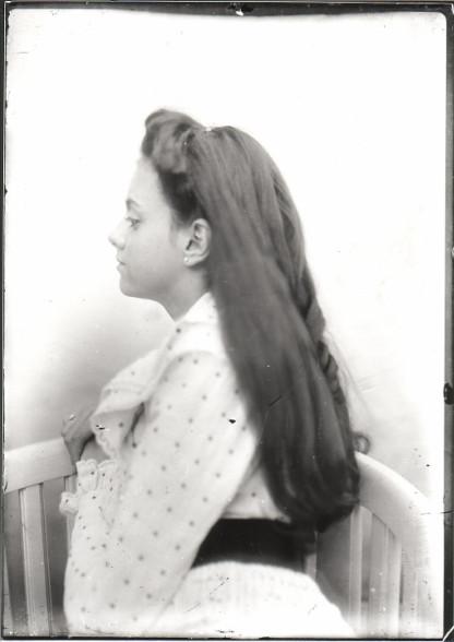 Image - Suzanne Bruneau de profil gauche