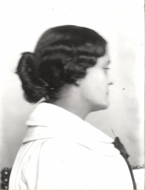 Image - Philippine Bruneau, de profil droit