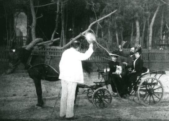 Image - Emile Zola salue les Charpentier